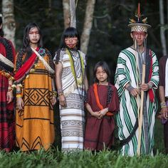 """@OskarMetsavaht was inspired by """"the Ashaninka tribe - unique and beautiful in their apparel, their gestures and their relation to the universe."""" #Osklen #SS16 #Ashaninka"""