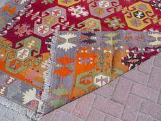 VINTAGE Turkish Kilim Rug Carpet Handwoven Kilim by misterpillow