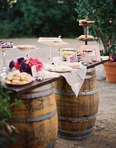 Wedding dessert display ideas: barrels - baconcheeseburger-sundays