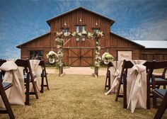 Top 10 #Texas #Wedding Venues: Lone Oak Barn — The picturesque barn provides all the backdrop you need for the sweetest ceremony, while the inside offers unique details like rustic tin and aged wood.