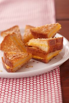Ultimate Crispy Grilled Cheese Sandwiches – Your kids may never ask you to make regular grilled cheese sandwiches again after you make them the Ultimate Crispy way—sprinkled with Parmesan cheese and baked until golden.