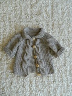 This lovely cardigan will keep your little one warm and happy. When combined with a pair of jeans it will look adorable. It is seamfree along both