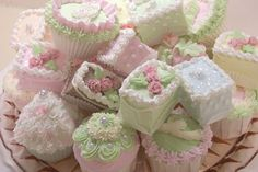 ❥ pastel petit fours and mini cakes~ perfect for afternoon tea :)