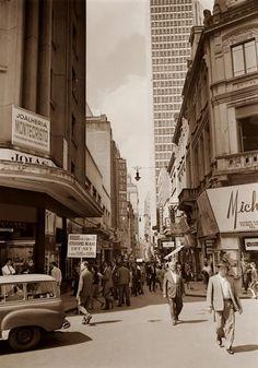 Descrição: Rua São Bento; ao fundo praça Patriarca; 1966  / São Paulo do Passado