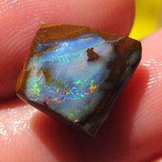 Rough Boulder Opal 10.4 ct 100% Australian Natural rough opal from QLD N1625
