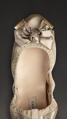 Burberry / Bow Detail Satin Slippers Ballerine elasticizzate - Scarpe - Shoes