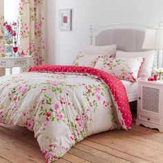floral bedding - such a bright and happy bedroom!