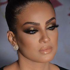 Golden ✨✨✨ #alcantaramakeup #anastasiabeverlyhills #makeupartist #hudabeauty #makeup #auroramakeup