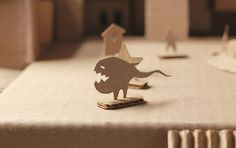 Imagine placecards at an event made in the shape of creatures and critters. Carboard Castle / Kid's Chair Group work with Barbara Yang, Angela Lee. Cut Paper, Paper Cutting, Cardboard Crafts, Paper Crafts, Kids Castle, Group Work, Forever Young, Conan, Flower Decorations