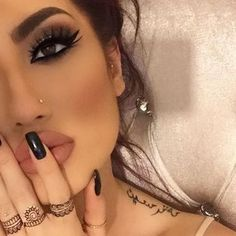 #anastasiabrows @hellyluv Using #Dipbrow #anastasiabeverlyhills #glammakeuplooks
