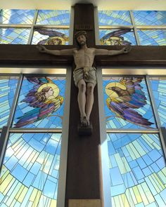 Crucifix and stained glass crucifixion window, Incarnate Word Chapel at St. Liturgical design by Rohn & Associates. Modern Church, Stained Glass Projects, Chapelle, Jesus Loves, Crucifix, News Blog, Catholic, Cathedral, Custom Design