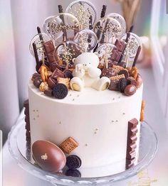 Oh mon Dieu. - Cakes and cake decorations - Cake-Kuchen-Gateau Birthday Desserts, Birthday Cake Decorating, Fun Desserts, Cake Birthday, Christmas Birthday Cake, Christmas Desserts, Christmas Ideas, Merry Christmas, Beautiful Birthday Cakes