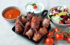 ficatei de pui invleliti in bacon la cuptor Romanian Food, Barbecue, Tandoori Chicken, Chicken Wings, Meat, Ethnic Recipes, Ham, Kitchens, Barbecue Pit