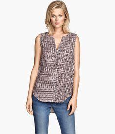Sleeveless v-neck blouse | H&M US