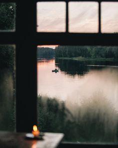 Как же мне нравится, когда на природе мало людей. Латвия идеальная страна для таких предпочтений;) Серьезно, гребешь ты по реке на каноэ,…