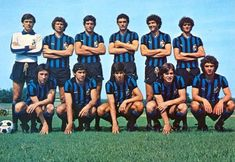 Inter (a colori). Retro Football, Football Team, Soccer Teams, Vintage Italian, Big Men, Milan, Running, Celebrities, Sports