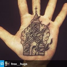 "91 Me gusta, 6 comentarios - CALM Bodymod (@calmbodymodification) en Instagram: ""#Repost from @free__hugs. Christoffer's new palm tattoo performed by @stevencikos. Burning church…"""