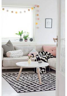 IKEA ULLGUMP Rug 195 x 133 low pile, black, white