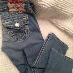 TRUE RELIGION JEANS No steans, are perfects. True Religion Pants Straight Leg