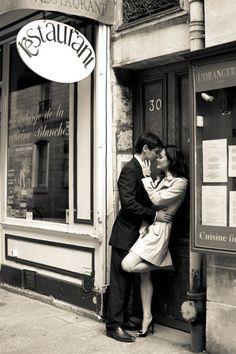 Honeymoon Photo Shoot In Paris by Juliane Berry Photography