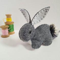 Handmade grey bunny. Perfect for easter. 🐇🐣🐰🐤  #easter #easterbasket #plushiesbyrenee #plushforsale #etsy #rabbit