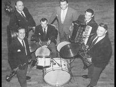 "Probably the best singer in the world Olavi Virta sing ""Hopeinen Kuu"" (Guarda Che Luna) 1960 Tango, My Childhood, Singing, Music Instruments, Musik, Musical Instruments"