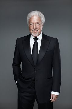 Sir Tom Jones Woodward // Tom Jones | Ian Derry | Portraits