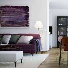 oturma odası salon mor koltuk modelleri beyaz ve gri dekorasyon fikirleri