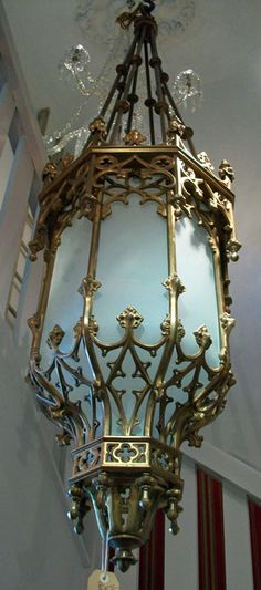 ~ Exquisite Victorian Lamp ~ at Hawkins and Scuffell (http://hawkinsandscuffell.com/)