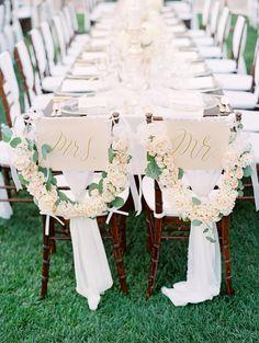 Gorgeous Seating Decor | Clary Pfeiffer > http://boards.styleunveiled.com/pin/a1280bb57e980da66d54eb0f20cbb95e