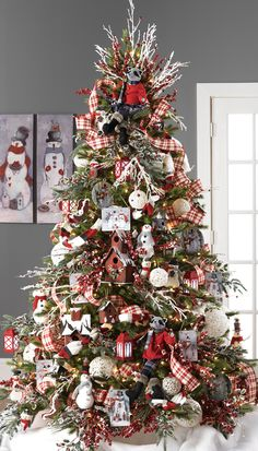 RAZ 2015 Graphic Woodland Christmas Tree visit for RAZ Christmas decorations Beautiful Christmas Trees, Colorful Christmas Tree, Christmas Tree Themes, Noel Christmas, White Christmas, Vintage Christmas, Christmas Movies, Christmas Tree Ribbon, Christmas 2019