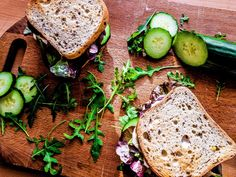 An easy but delicious sandwich idea with eggs, cucumber, radish, salad and mayonnaise :) Best Sandwich, Sandwich Recipes, Types Of Sandwiches, Sandwich Ingredients, Delicious Sandwiches, Calorie Diet, Serving Size, Spice Things Up, Avocado Toast