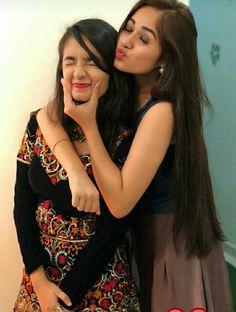 Follow Me Rishita Surve•̀.̫•́✧ Stylish Photo Pose, Stylish Girls Photos, Stylish Girl Pic, Beautiful Girl In India, Most Beautiful Indian Actress, Beautiful Girl Image, Indian Photoshoot, Friend Poses, Cute Celebrities