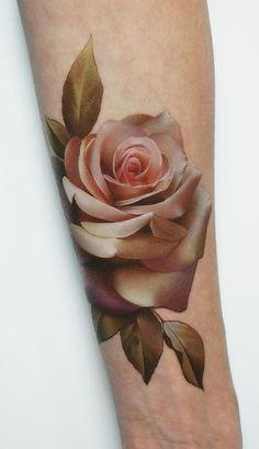 Hand Tattoos, Rose Hand Tattoo, New Tattoos, Body Art Tattoos, Sleeve Tattoos, Tattoo Roses, Tattoo Sleeves, Wrist Tattoos For Women, Tattoos For Guys
