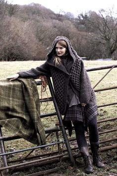 Yarn Market has Project Ideas for Women's Jackets & Coats - British Sheep Winter Cherry Coat Rowan Knitwear Fashion, Knit Fashion, Look Fashion, Rowan Knitting Patterns, Honeycomb Stitch, Outlander, Textiles, Knitted Bags, Tartan Plaid