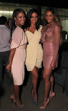 Ciara and Sanaa's shoes...LUV!!!! (for those who don't have the pleasure of knowing who they are, the lady on the right and the middle) :-)