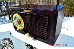 BLUETOOTH MP3 READY - CLASSIC Art Deco 1952 General Electric Model 500 AM Brown Bakelite Tube Clock Radio Totally Restored!