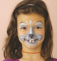 Learn To Face Paint! Transforming yourself with a unique and special look is not only possible, but easy to do, thanks to face paints and makeup! Would you like to give it a try?