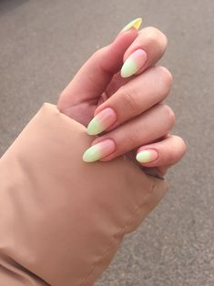 Nails are an artform shared by Mer on We Heart It Summer Acrylic Nails, Cute Acrylic Nails, Acrylic Nail Designs, Minimalist Nails, Nagellack Trends, Dipped Nails, Dream Nails, Nagel Gel, Cute Nail Designs