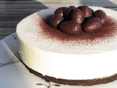 Påskekage med citronfromage og chokoladebund pinterest: simonewanscher