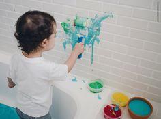 Pintar com o rolinho, brincar de ser pintor | Pretend play: being a painter