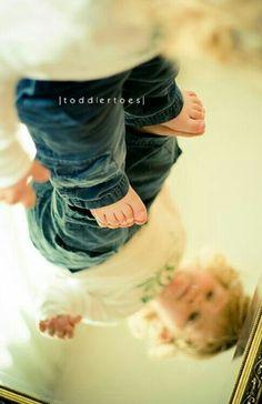 Kinderfoto mit spiegel