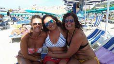 Buon Ferragosto!!! #ferragosto #femme #curve #sorriso #sorrisi #amicizia #amiche #termoli #smile #friends #summer #curves #holiday #maryann #mare #cimettolacurva http://cimettolacurva.wordpress.com/2014/08/15/buon-ferragosto/
