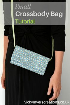 Looking for a small crossbody bag DIY? This messenger bag is ideal for your wallet, keys and mobile. Step by step tutorial.