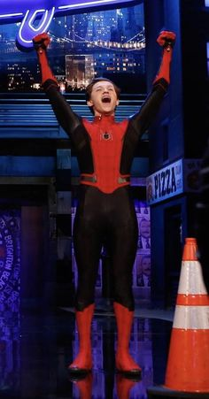 2058 Best tom hi images | Tom holland peter parker, Men's