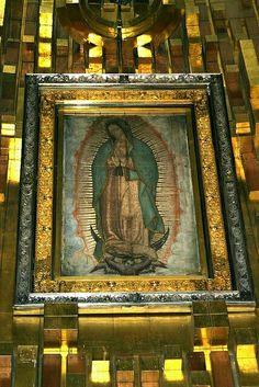 Gracias la morenita...mi madrina... mi mamá... mi fuerza... hoy es un dia especial...y doy gracias por todas las bendiciones mi virgen de Guadalupe... y saludos las Lupitas...  ♡♥♡♥♡♥♡