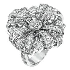 """""""Attirante"""" #Ring from #TalismansDeChanel - #Chanel - #FineJewellery collection…"""