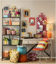 A dash of colour always infuses liveliness in any room . <3