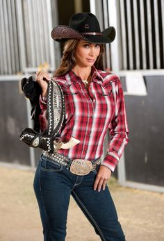 Hot Country Girls, Country Girl Style, Country Women, Sexy Cowgirl Outfits, Country Outfits, Western Outfits, Cow Girl, Vaquera Sexy, Estilo Cowgirl