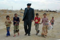 الاب باولو دالوليو راهب دير موسى الحبشي - سوريا . وهو من مواليد روما 1954